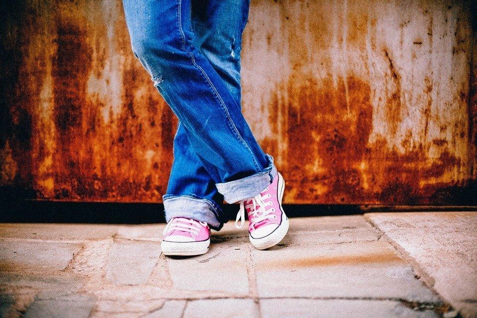 Кеды vs кроссовки: в чем разница и что выбрать для бега - фото