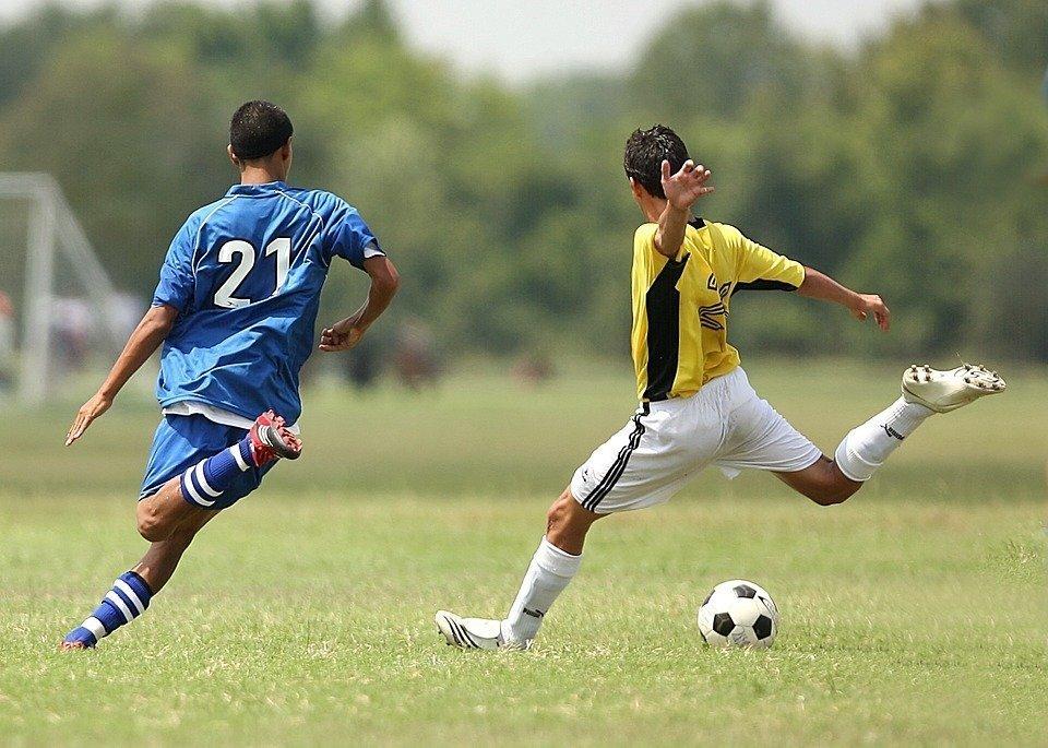 5b7eef69 Как правильно выбрать футбольные бутсы и подобрать размер - Блог ...