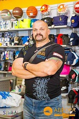 Звёздный шоппинг с Василием Вирастюком в MEGASPORT - фото
