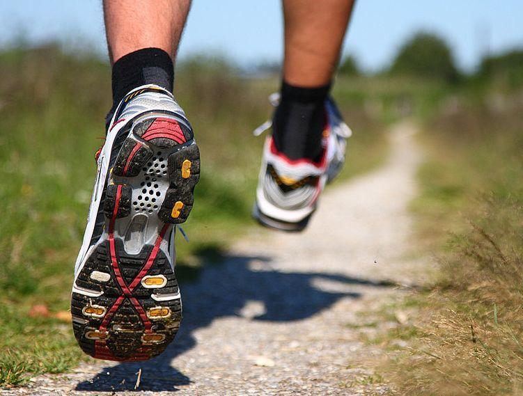 Полезные советы по выбору хороших кроссовок для бега - фото