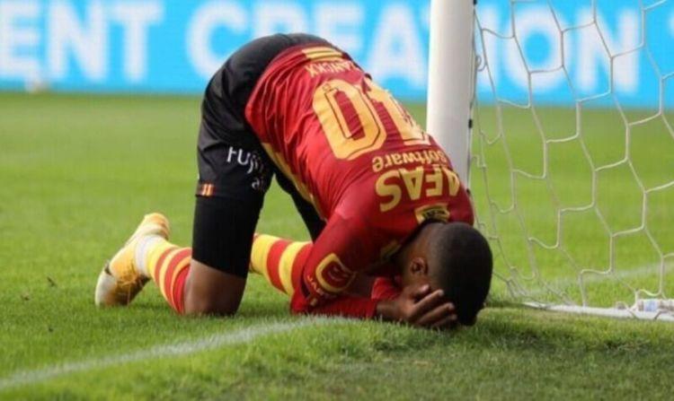 Бельгийский футболист не смог забить гол в абсолютно пустые ворота