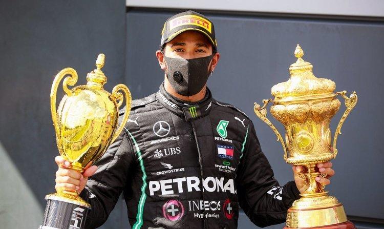 """Льюис Хэмилтон стал семикратным чемпионом """"Формулы-1"""". Он повторил рекорд Шумахера"""