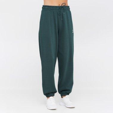Спортивні штани puma Classics Relaxed Jogger - 140892, фото 1 - інтернет-магазин MEGASPORT